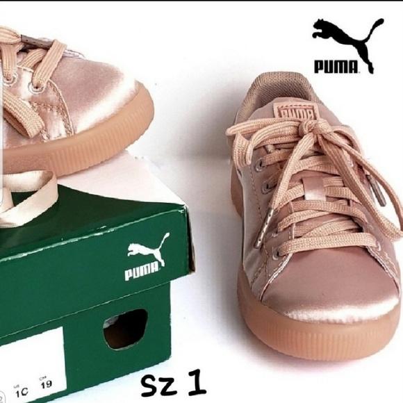 🎀NIB Girl Puma Clyde Satin P Sneaker d251ddd32